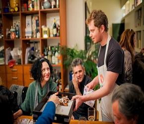 Come conoscere persone nuove: 3 modi di socializzare - Come Sedurre